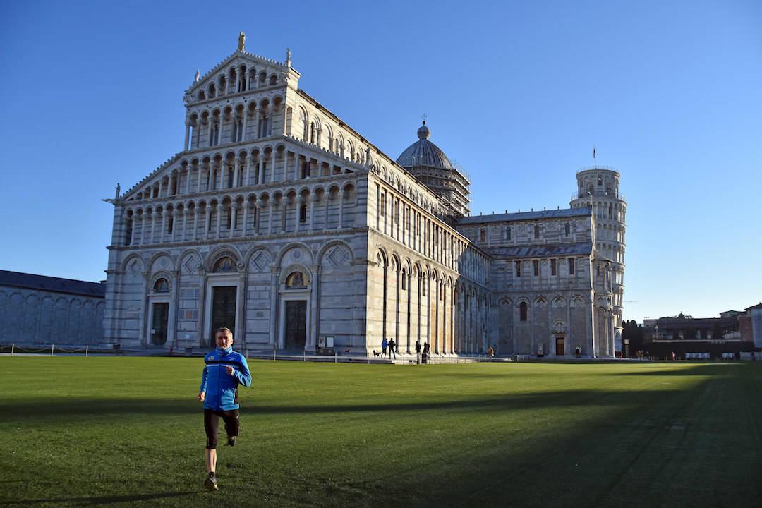 Pisa_piazza_dei_miracoli_4