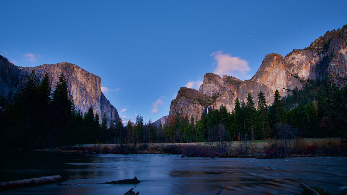 Yosemite_National_Park_Yosemite_See_c_aramark