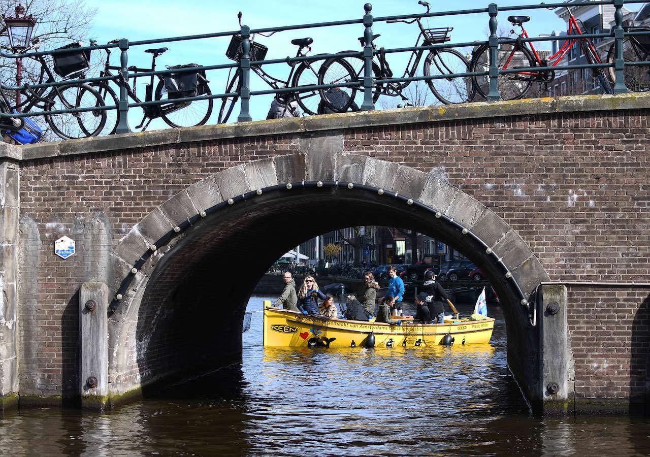 BetterTakesAction_BoatTourLaunchAmsterdam2_©KEEN