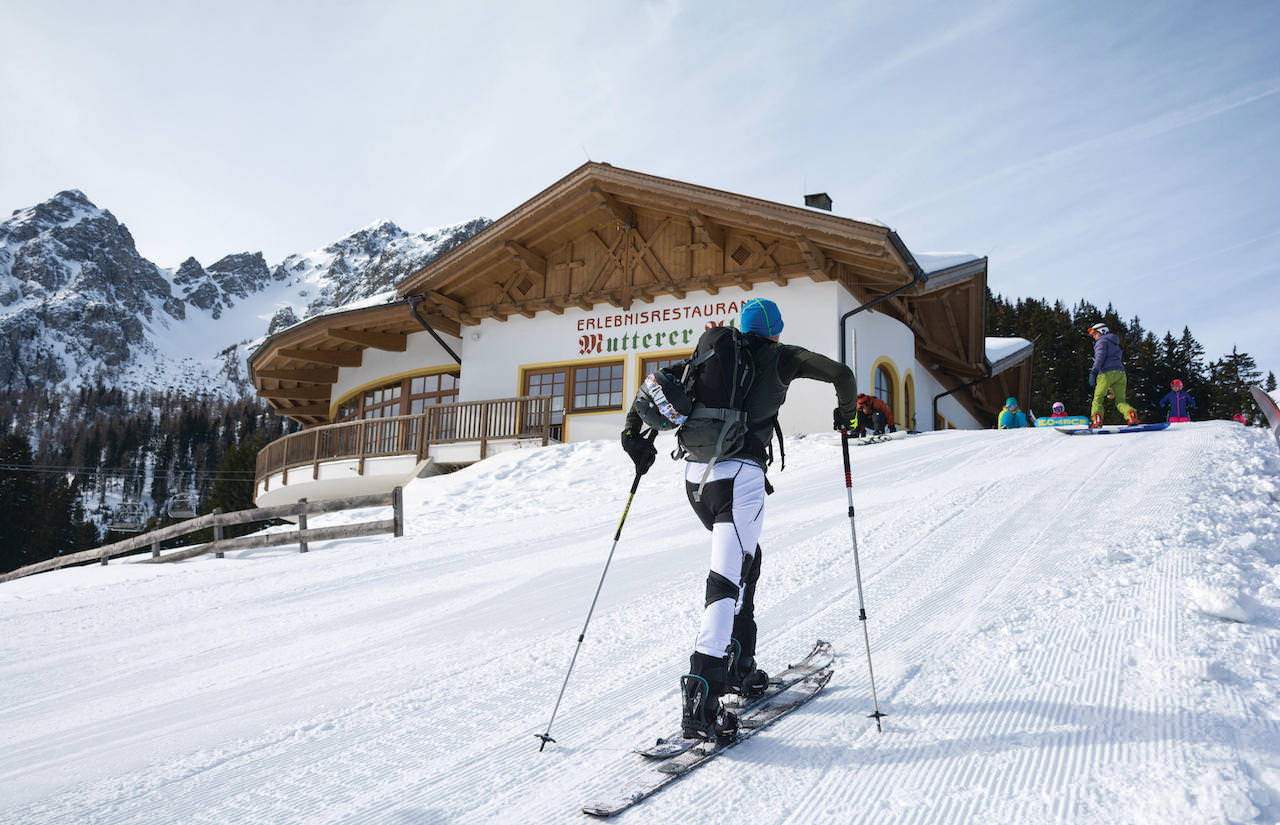 Skitour_4_c_InnsbruckTourismus_HelgaAndreatta