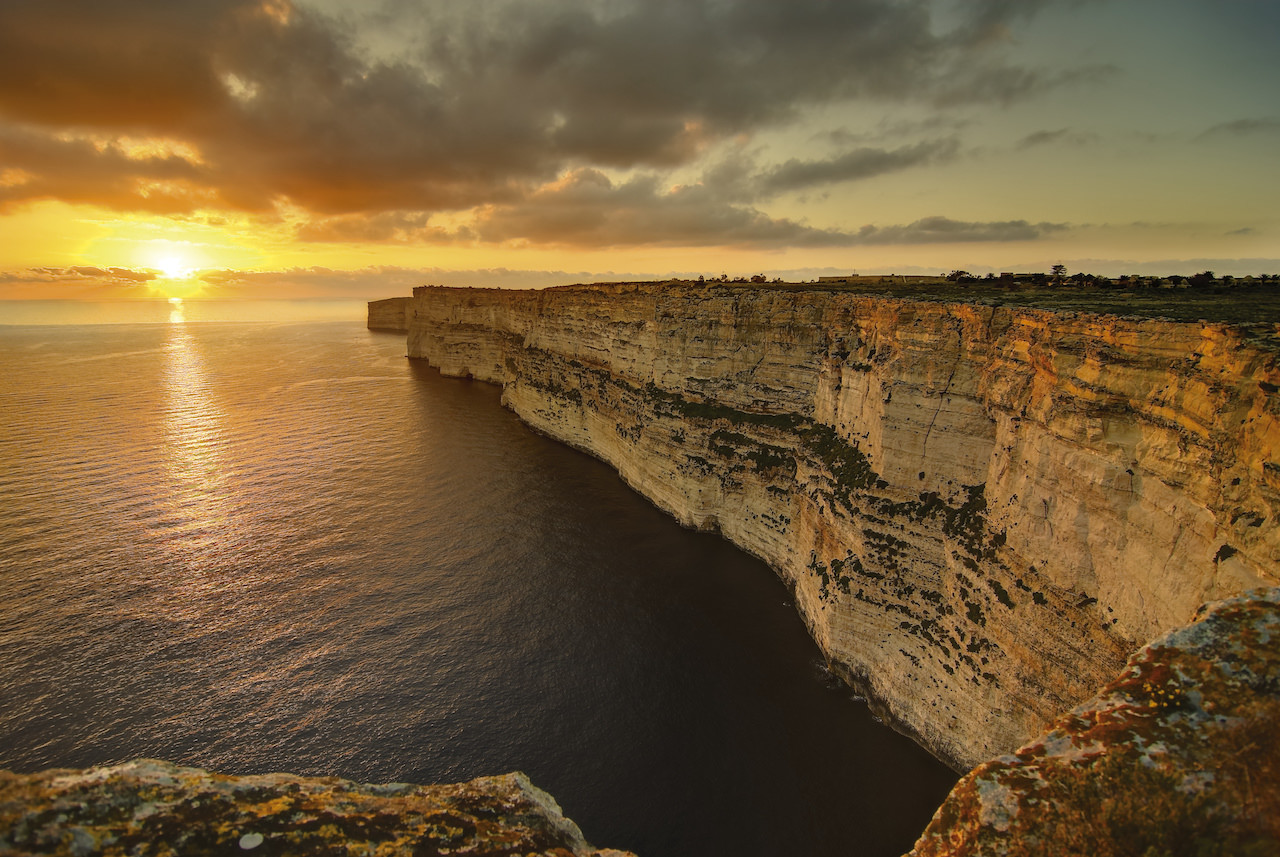 Felsen an der Küste Maltas (c) www.viewingmalta.com